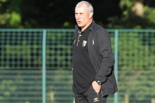 Alain Casanova : « Kermit Erasmus peut jouer à nos 4 postes offensifs »