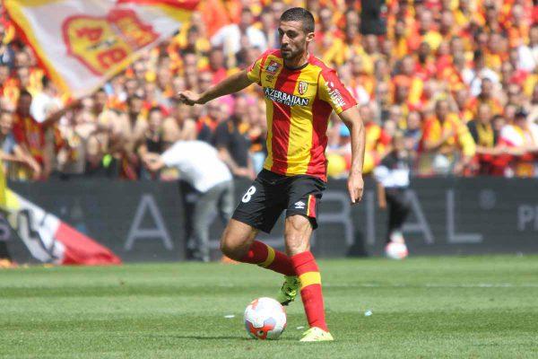 En fin de contrat au RC Lens, Valdivia signe à Saint-Trond